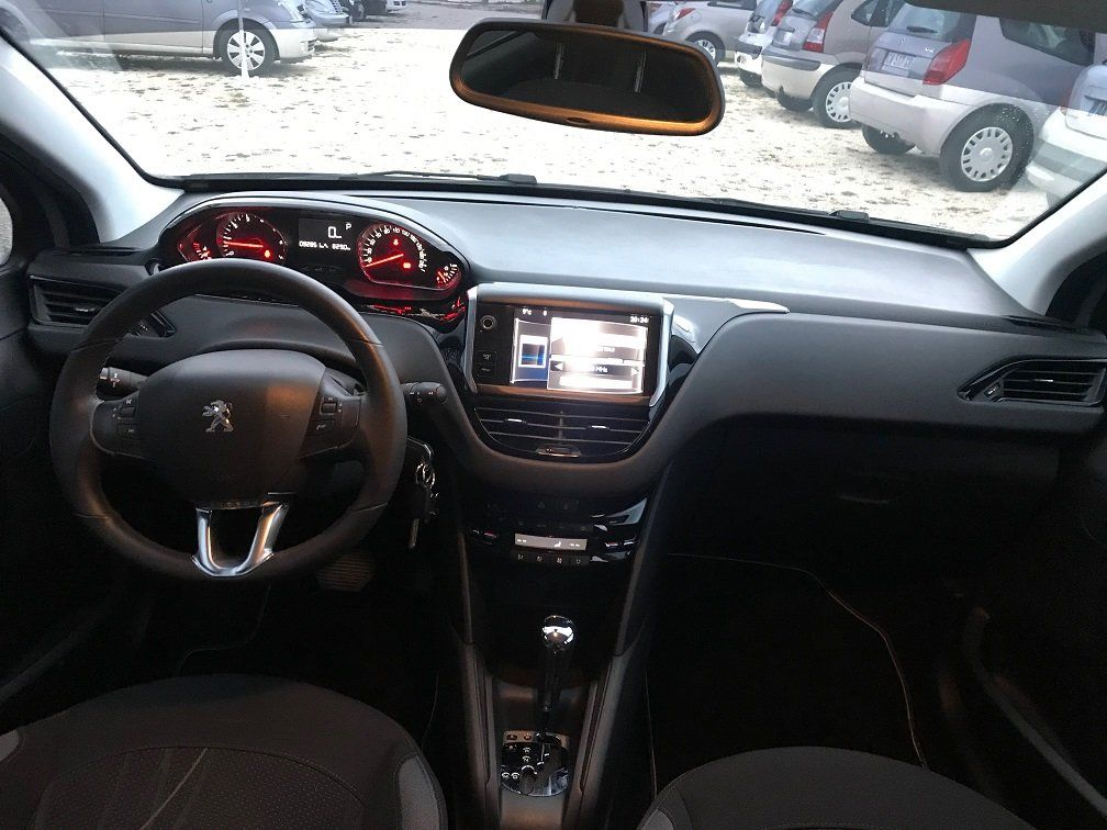 peugeot 208 allure occasion vitrolles  bouches