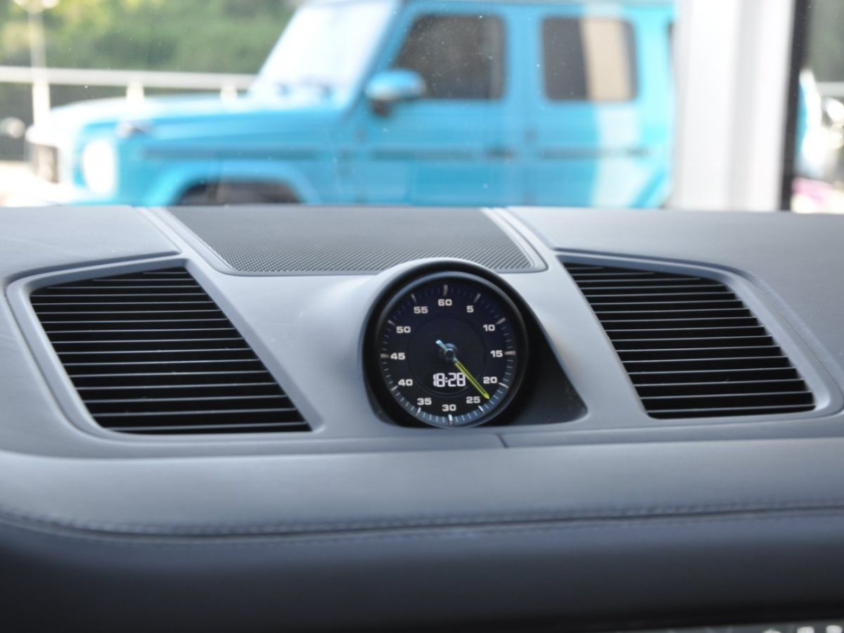 Porsche Cayenne Coupe 3.0 V6 462 Ch Tiptronic BVA E-Hybrid Noir - 26