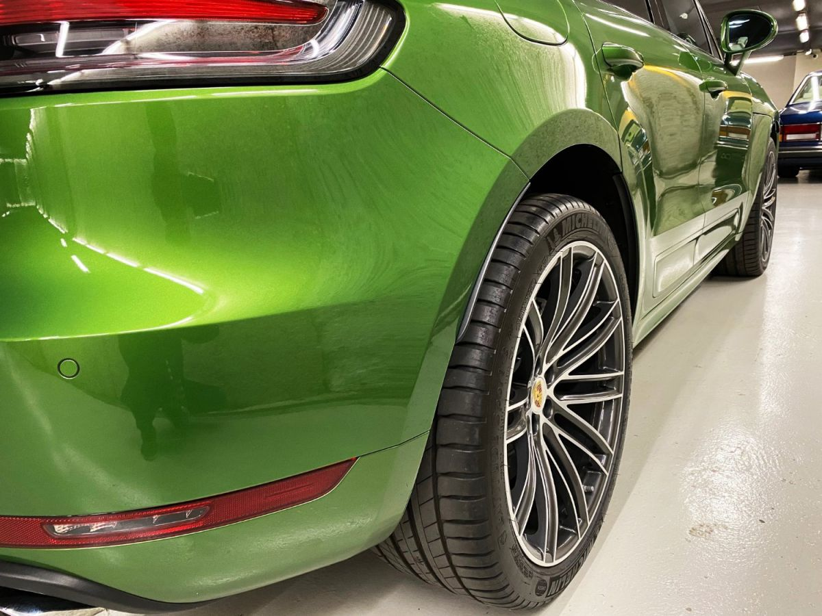 Porsche Macan (2) 3.0 440 TURBO Vert Métallisé - 15
