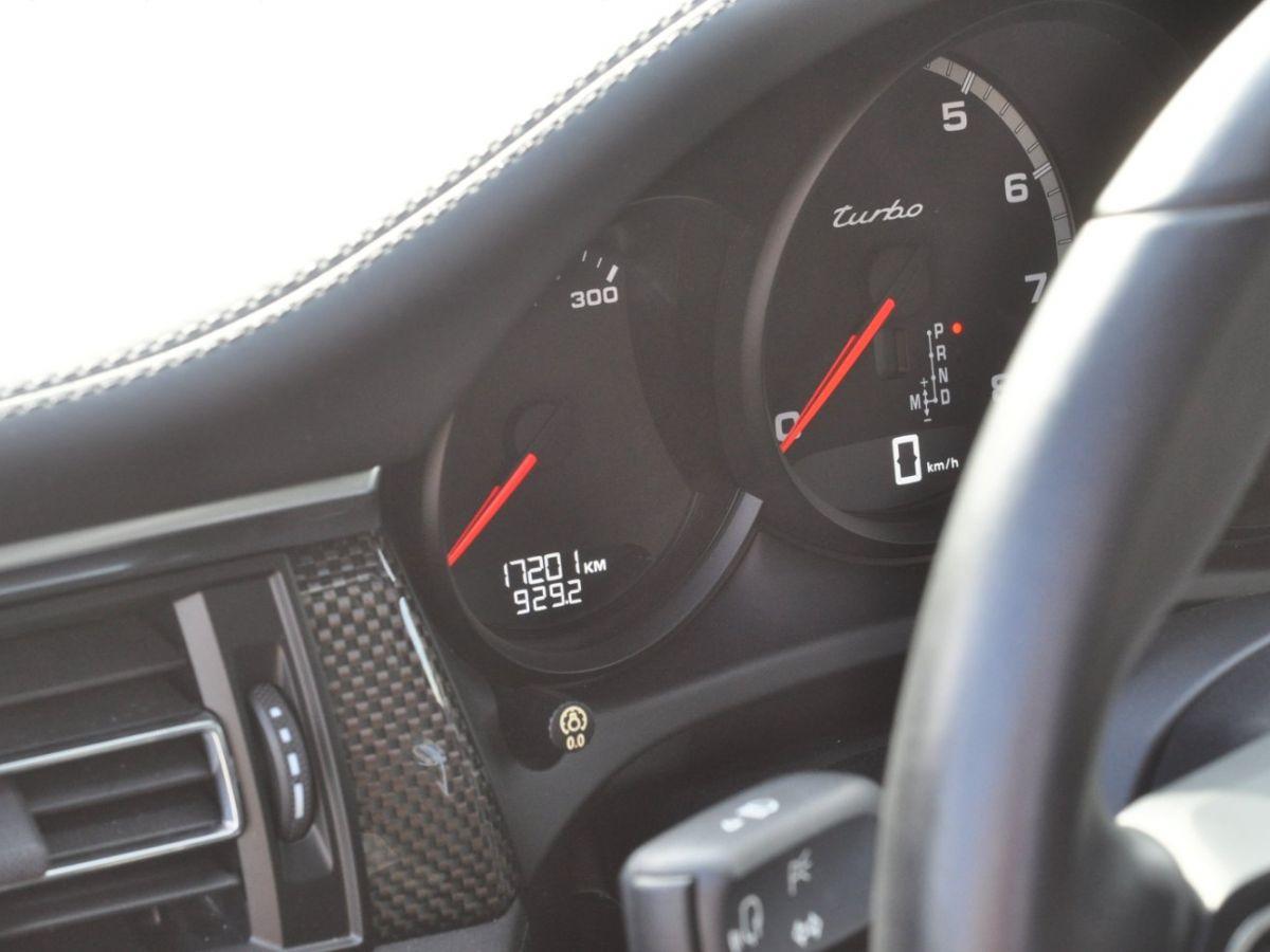 Porsche Macan (2) 440 TURBO Vert - 19