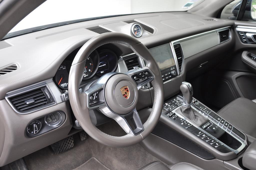Porsche Macan GTS Bleu Foncé Métal - 7
