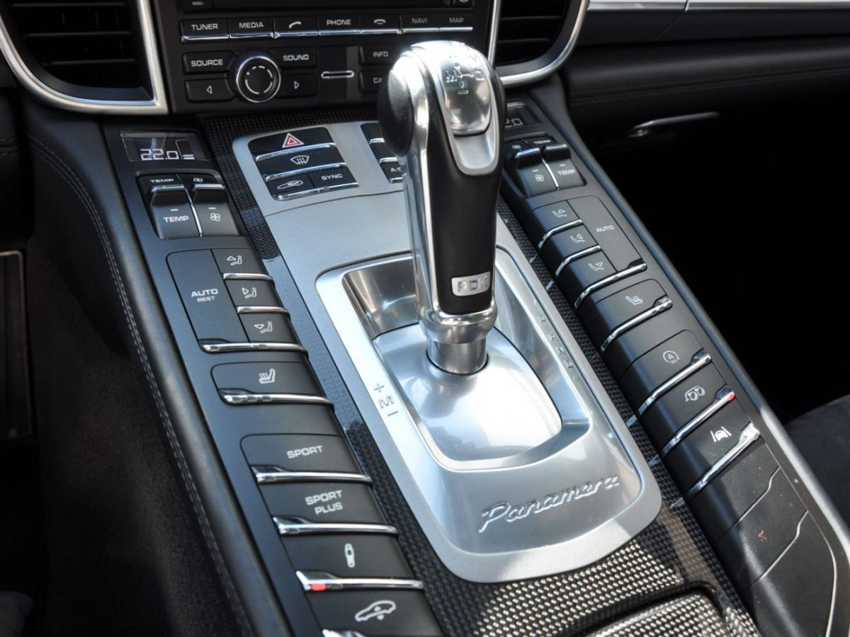 Porsche Panamera (2) GTS V8 4.8 440 PDK Gris Clair - 17