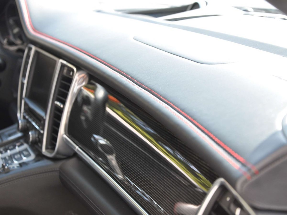 Porsche Panamera (2) GTS V8 4.8 440 PDK Gris Clair - 38