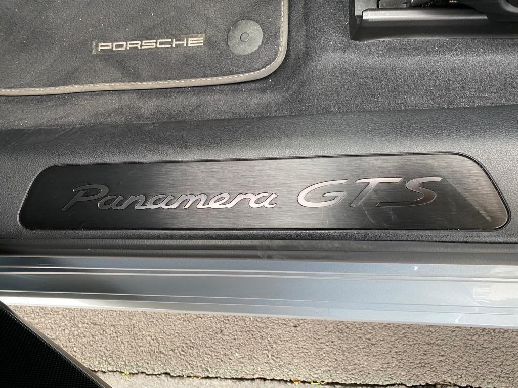 Porsche Panamera II GTS Gris Clair - 12