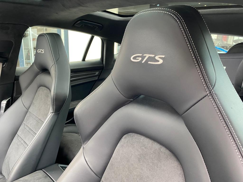 Porsche Panamera II GTS Gris Clair - 20