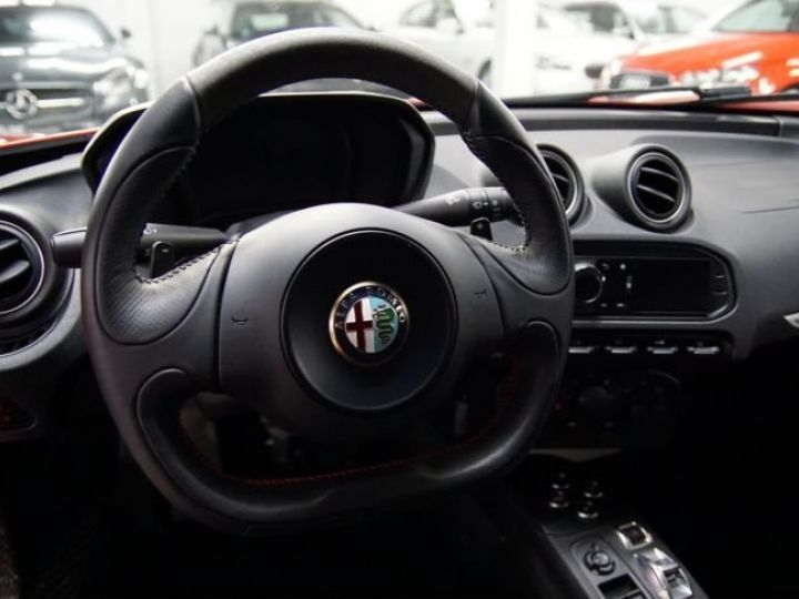 Alfa Romeo 4C 1.8l tbi sport design ROUGE - 7