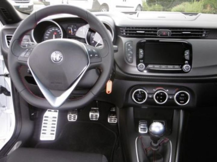 Alfa Romeo GIULIETTA 1.4 TB MULTIAIR 150CH LUSSO STOP&START BLANC - 5