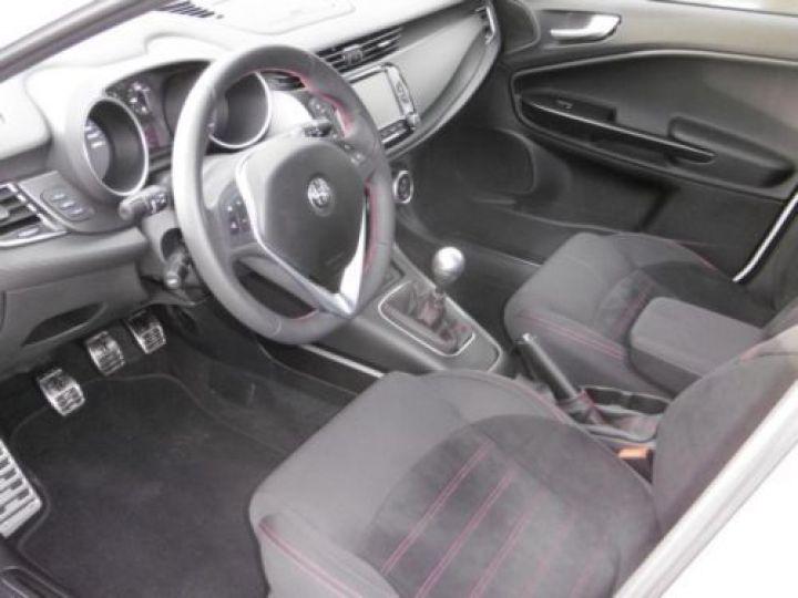 Alfa Romeo GIULIETTA 1.4 TB MULTIAIR 150CH LUSSO STOP&START BLANC - 6