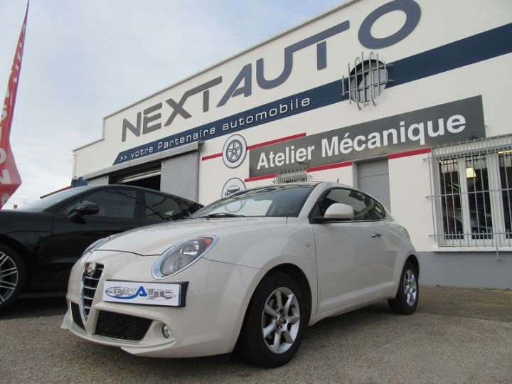 Alfa Romeo MITO 0.9 TWIN AIR 105CH EXCLUSIVE STOP&START Blanc Occasion - 1