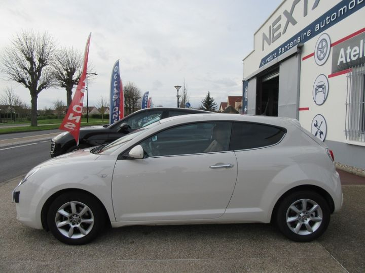 Alfa Romeo MITO 0.9 TWIN AIR 105CH EXCLUSIVE STOP&START Blanc Occasion - 5