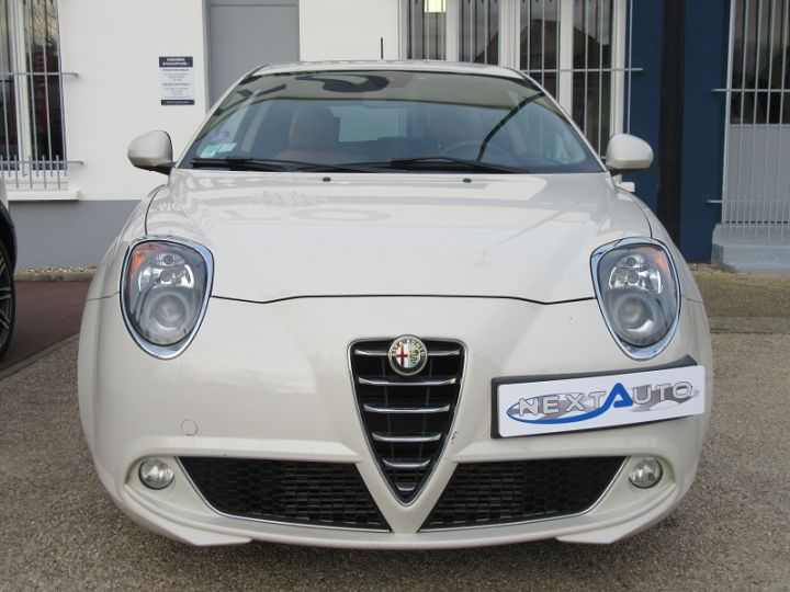 Alfa Romeo MITO 0.9 TWIN AIR 105CH EXCLUSIVE STOP&START Blanc Occasion - 6