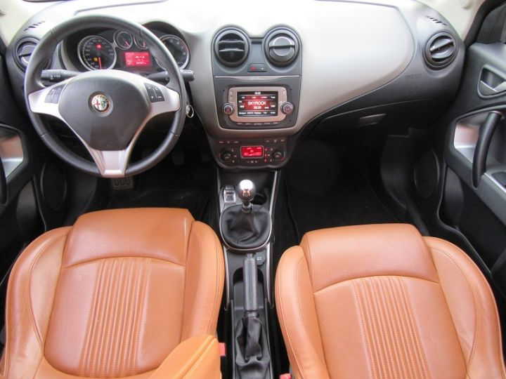 Alfa Romeo MITO 0.9 TWIN AIR 105CH EXCLUSIVE STOP&START Blanc Occasion - 8