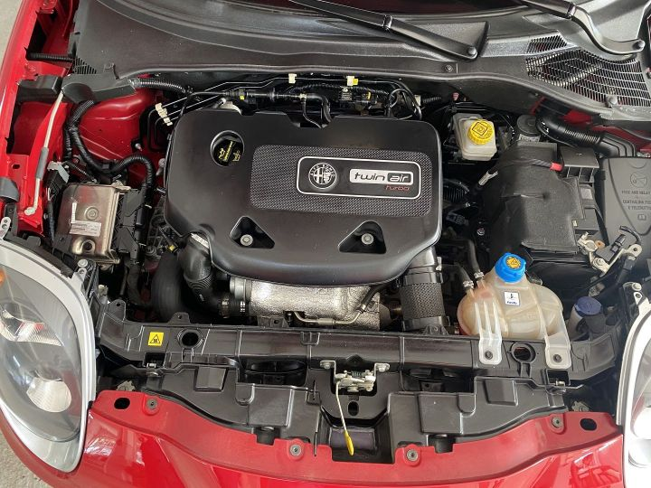 Alfa Romeo Mito 0.9 TWIN AIR 105CH SUPER STOP&START Rouge - 12