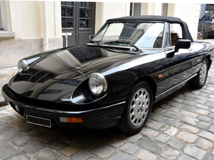 Alfa Romeo Spider 2.0i Noir Opaque Verni - 2