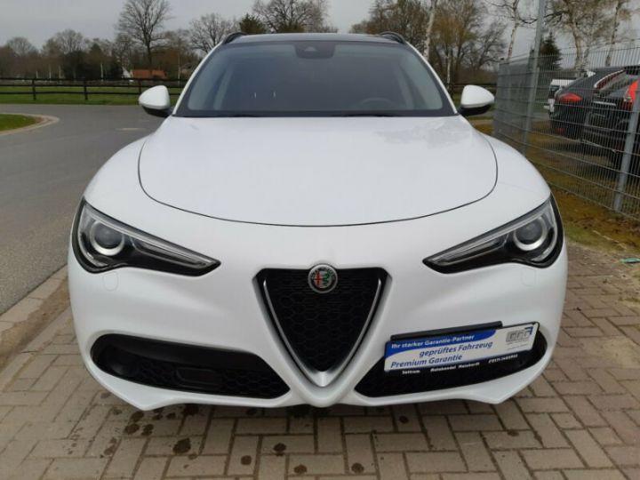 Alfa Romeo Stelvio 2.0 Turbo 280cv Q4 Sport Ed. AT8 *Toit ouvrant pano - Cuir* Livraison et garantie 12 mois incluse Blanc Alfa - 1