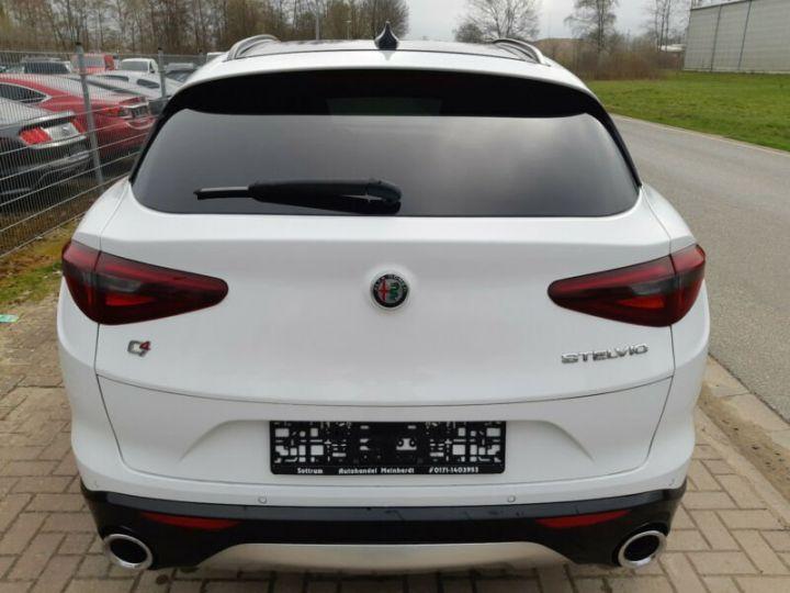 Alfa Romeo Stelvio 2.0 Turbo 280cv Q4 Sport Ed. AT8 *Toit ouvrant pano - Cuir* Livraison et garantie 12 mois incluse Blanc Alfa - 15