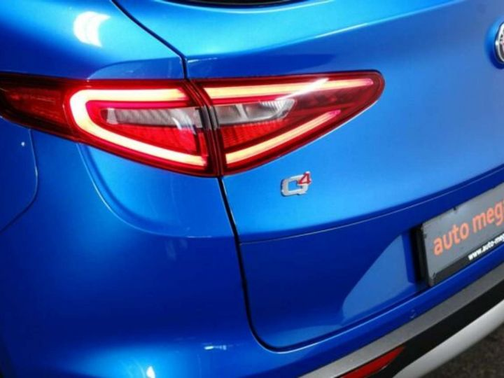Alfa Romeo Stelvio 2.0Turbo 280 ch Q4 AT8 4X4 /Super /Options / Garantie 12 Mois Bleu Métal - 9