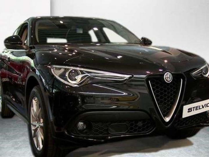 Alfa Romeo Stelvio 2.2 Diesel 209ch Super Q4 AT8 *Toit ouvrant pano - Cuir* Livraison et garantie 12 mois incluse Noir vulcano métalisé - 1