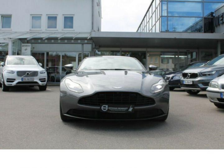 Aston Martin DB11 grise - 1