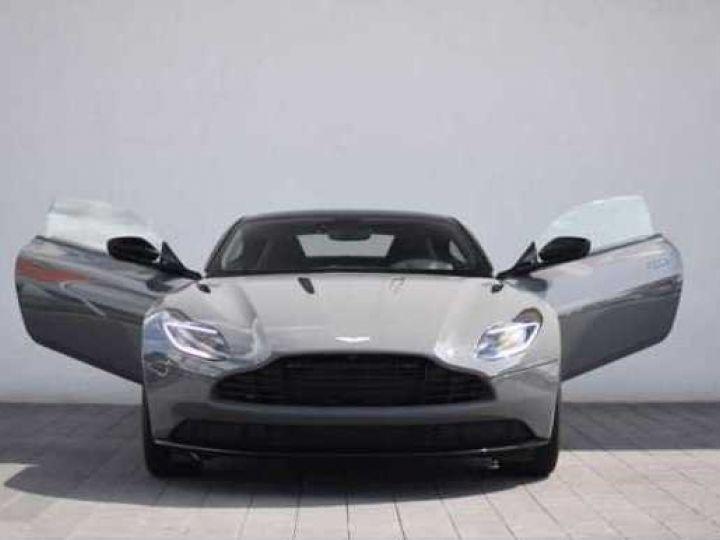 Aston Martin DB11 AMR V12 China Grey métal - 4