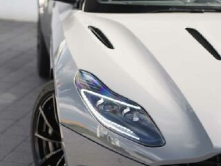 Aston Martin DB11 AMR V12 China Grey métal - 5