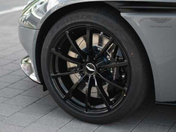 Aston Martin DB11 AMR V12 China Grey métal - 7