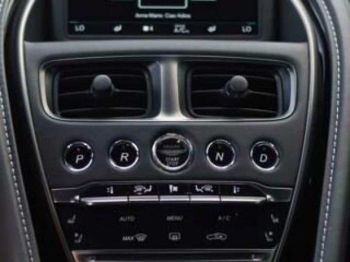 Aston Martin DB11 AMR V12 China Grey métal - 19