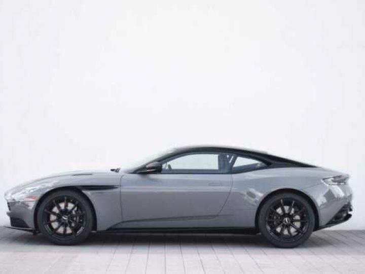 Aston Martin DB11 AMR V12 China Grey métal - 21