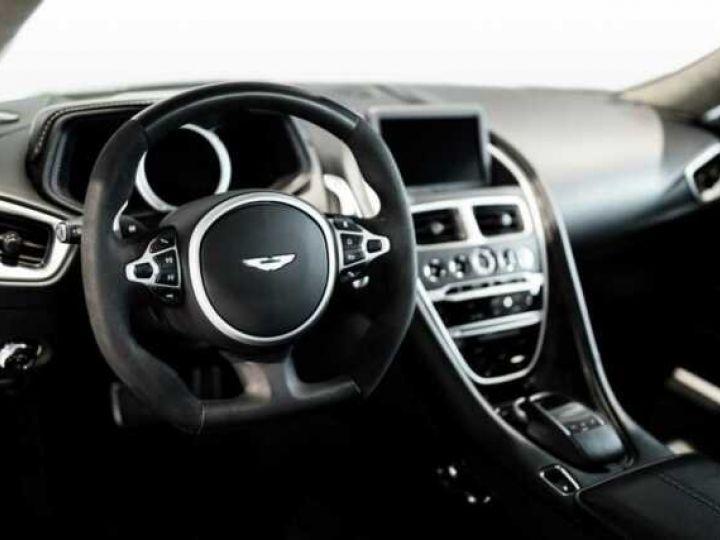 Aston Martin DB11 AMR V12 # 639 CV Hammerhead Silver métal - 3