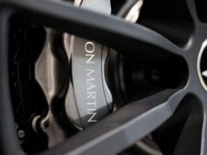 Aston Martin DB11 AMR V12 # 639 CV Hammerhead Silver métal - 11
