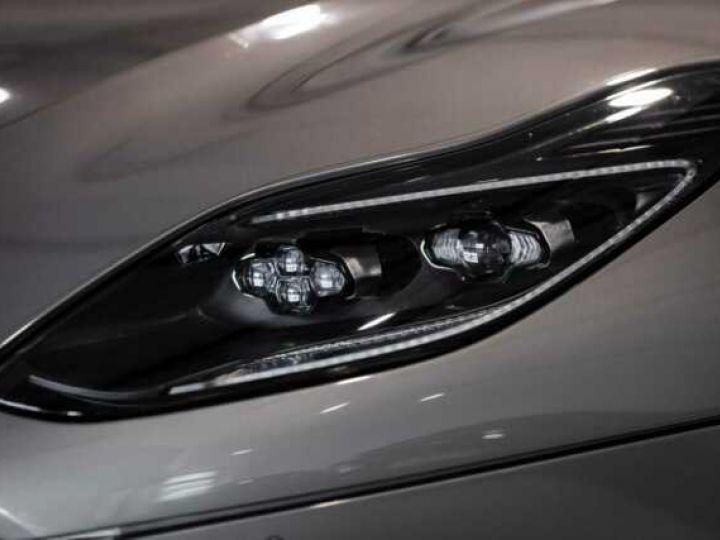 Aston Martin DB11 AMR V12 # 639 CV Hammerhead Silver métal - 17