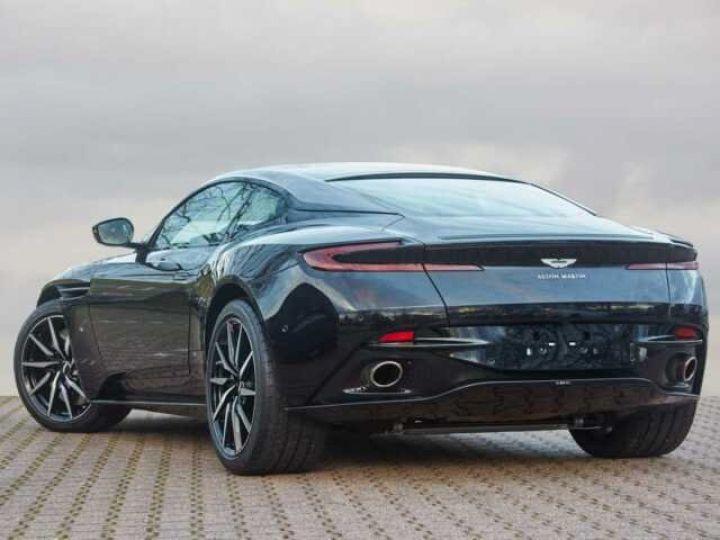 Aston Martin DB11 BODYPACK BLACK#PACK TECHNOLOGY#PACK EXTERIEUR BRIGHT FINISHER Onyx Black métal - 2