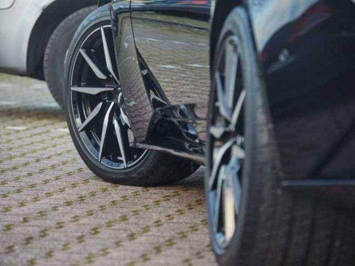 Aston Martin DB11 BODYPACK BLACK#PACK TECHNOLOGY#PACK EXTERIEUR BRIGHT FINISHER Onyx Black métal - 4