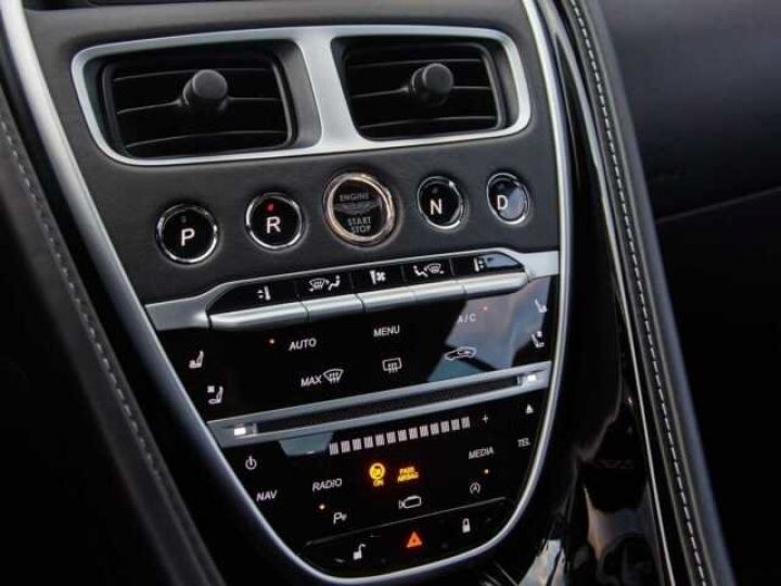 Aston Martin DB11 BODYPACK BLACK#PACK TECHNOLOGY#PACK EXTERIEUR BRIGHT FINISHER Onyx Black métal - 10