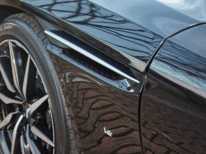 Aston Martin DB11 BODYPACK BLACK#PACK TECHNOLOGY#PACK EXTERIEUR BRIGHT FINISHER Onyx Black métal - 16