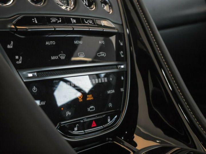Aston Martin DB11 Coupe V12, 4500Kms, Gtie usine # Vert Peinture métallisée - 8