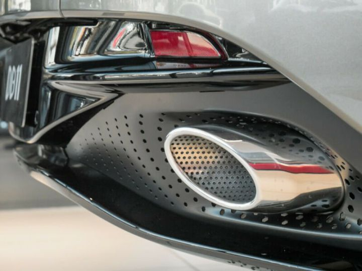Aston Martin DB11 Coupe V12, 4500Kms, Gtie usine # Vert Peinture métallisée - 9