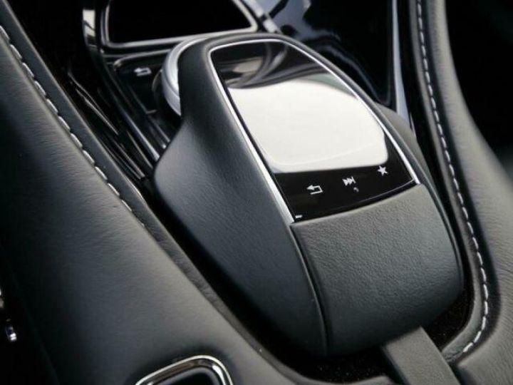 Aston Martin DB11 V12 AMR Quantum Silver - 8