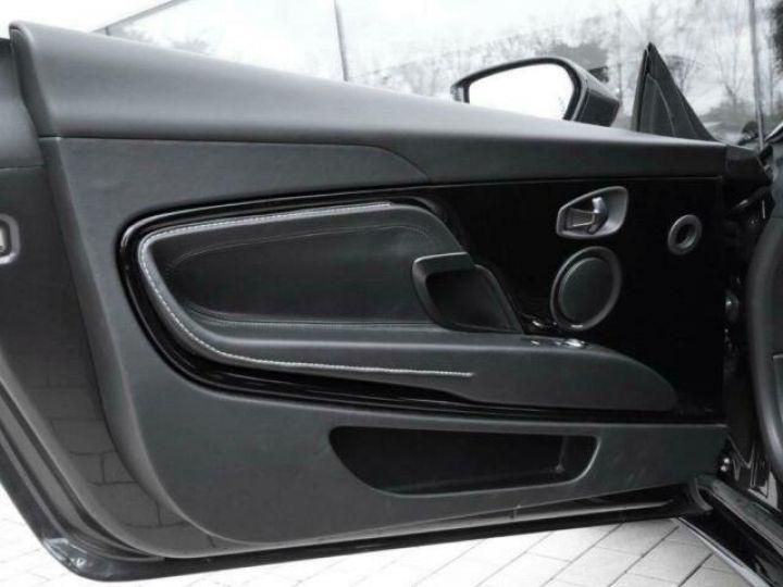 Aston Martin DB11 V12 AMR Quantum Silver - 16