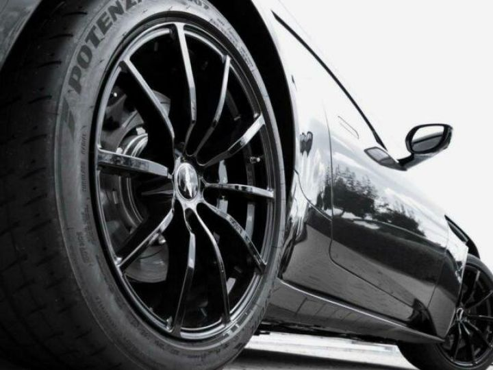 Aston Martin DB11 V12 AMR Quantum Silver - 18