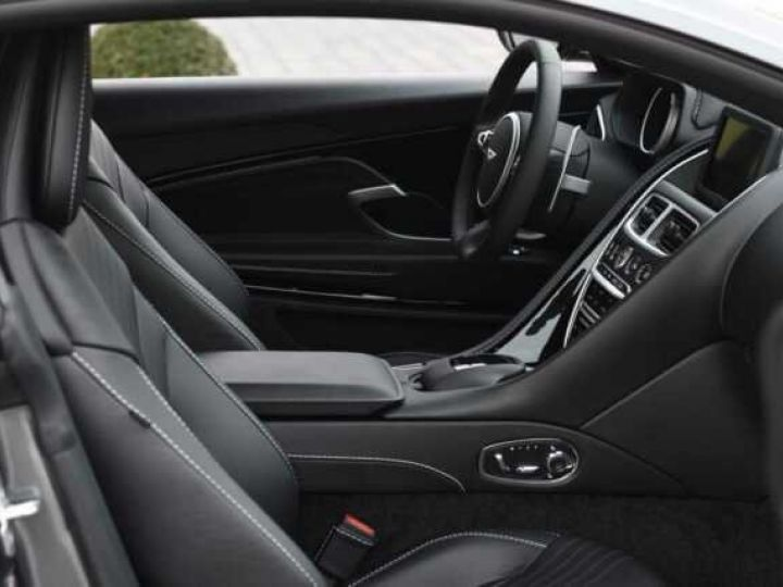 Aston Martin DB11 V12 AMR Magnetic Siver métal - 5