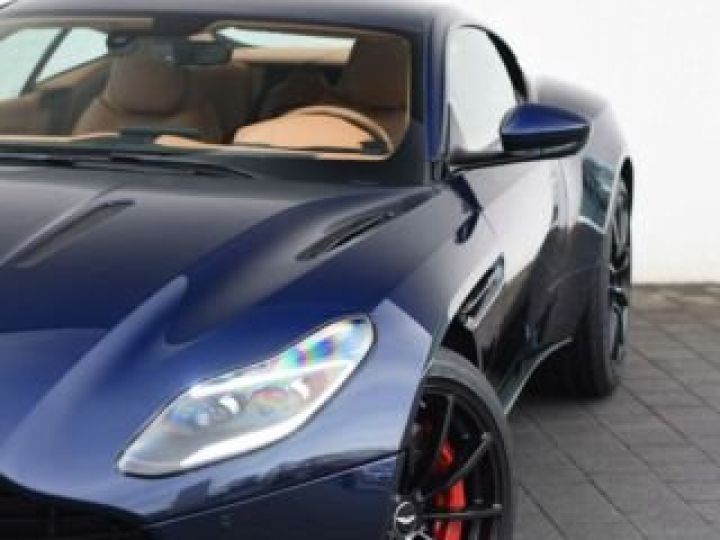 Aston Martin DB11 V12 AMR 639 CV # BODYPACK BLACK Mariana Blue - 1