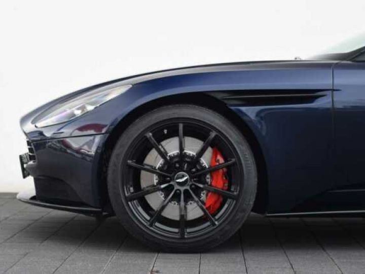 Aston Martin DB11 V12 AMR 639 CV # BODYPACK BLACK Mariana Blue - 16