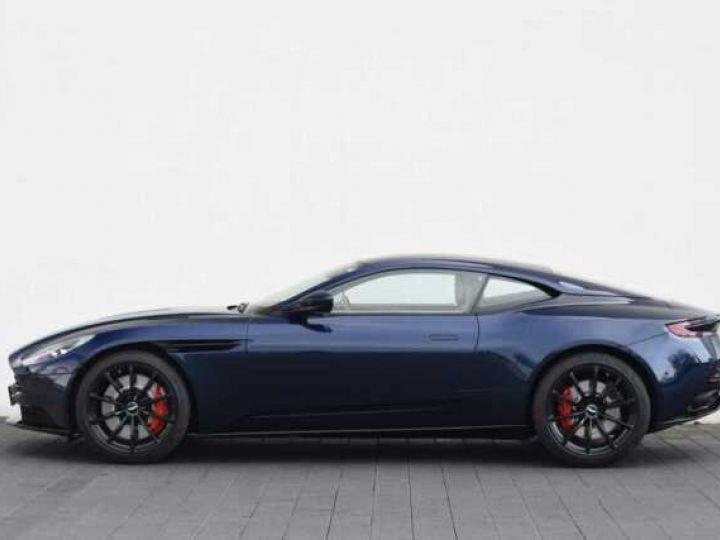 Aston Martin DB11 V12 AMR 639 CV # BODYPACK BLACK Mariana Blue - 18