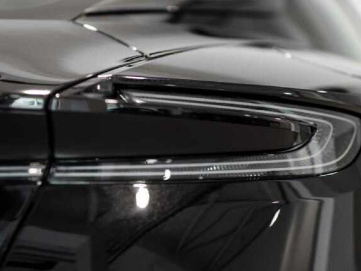 Aston Martin DB11 V12 AMR Bodypack Black Onyx Black métal - 6
