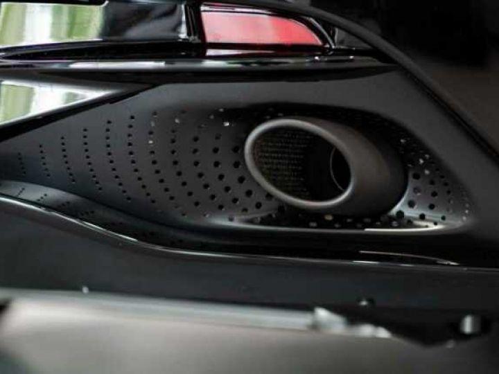 Aston Martin DB11 V12 AMR Bodypack Black Onyx Black métal - 7
