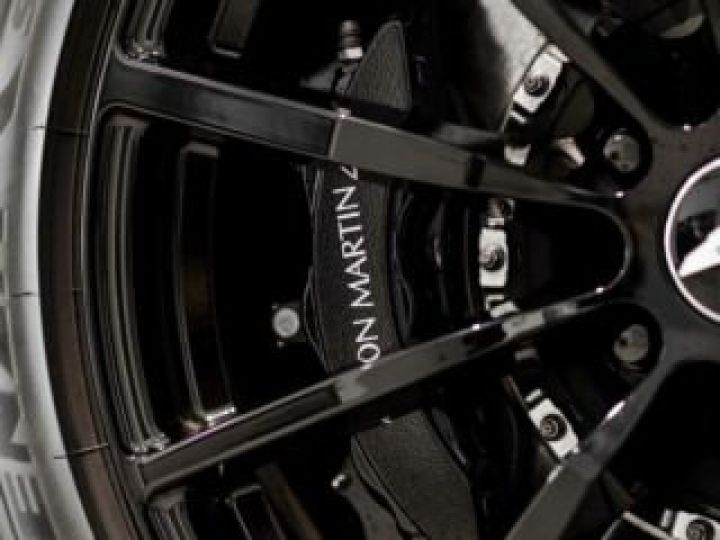 Aston Martin DB11 V12 AMR Bodypack Black Onyx Black métal - 13