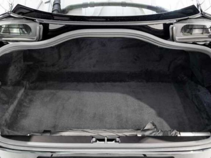 Aston Martin DB11 V12 AMR Bodypack Black Onyx Black métal - 16