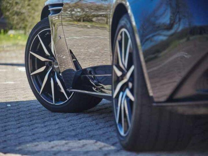 Aston Martin DB11 V12 Coupé AML Special#Bodypack Black Ultramarine Black (AML Special - 3