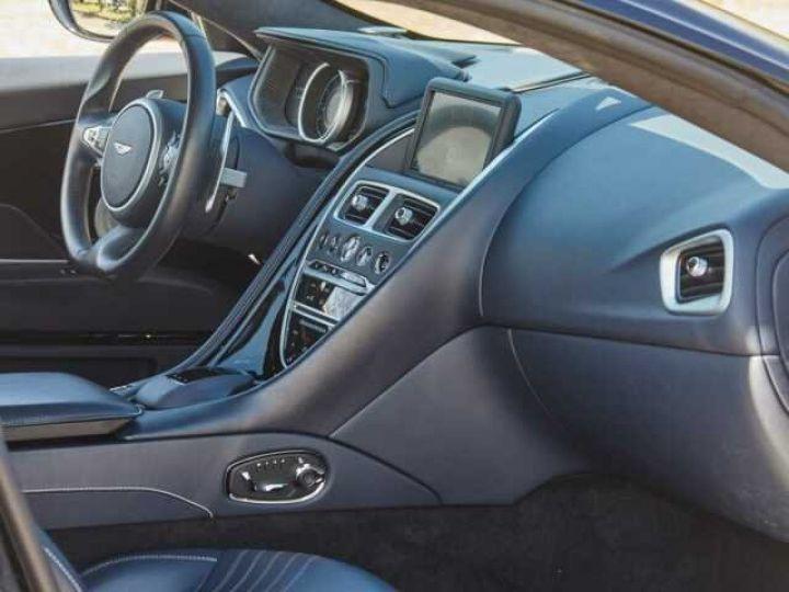 Aston Martin DB11 V12 Coupé AML Special#Bodypack Black Ultramarine Black (AML Special - 9